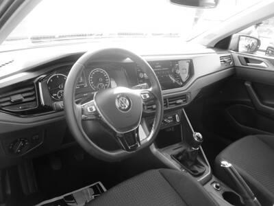 Voir la photo n°4 de la voiture d'occasion VOLKSWAGEN POLO BUSINESS — 1.6 TDI 95 S&S BVM5 Confortline Business