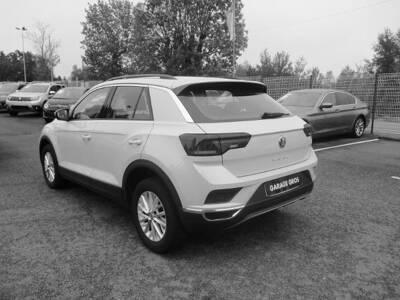 Voir la photo n°2 de la voiture d'occasion VOLKSWAGEN T-ROC — 1.0 TSI 115 Start/Stop BVM6 Lounge