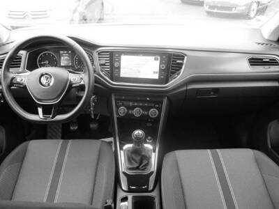 Voir la photo n°4 de la voiture d'occasion VOLKSWAGEN T-ROC — 1.0 TSI 115 Start/Stop BVM6 Lounge