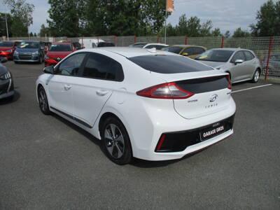 Voir la photo n°3 de la voiture d'occasion HYUNDAI IONIQ — Electric 120 ch Creative