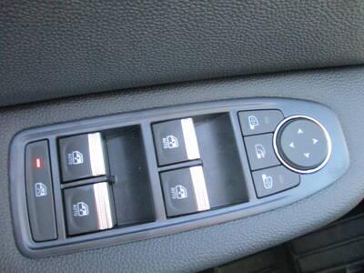 Voir la photo n°5 de la voiture 0KM RENAULT CLIO V — Blue dCi 85 Zen
