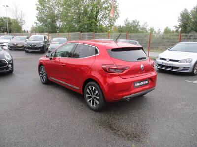 Voir la photo n°4 de la voiture 0KM RENAULT CLIO V — TCe 100 Intens
