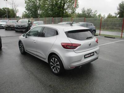 Voir la photo n°2 de la voiture 0KM RENAULT CLIO V — TCe 100 Intens
