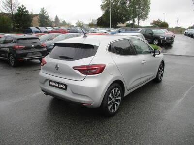 Voir la photo n°3 de la voiture 0KM RENAULT CLIO V — TCe 100 Intens