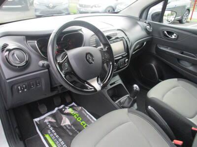 Voir la photo n°5 de la voiture d'occasion RENAULT CAPTUR — dCi 90 Energy eco² E6 Zen