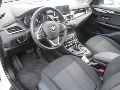 Voir la photo n°4 de la voiture d'occasion BMW SERIE 2 GRAN TOURER F46 LCI — Gran Tourer 218i 140 ch DKG7 Lounge