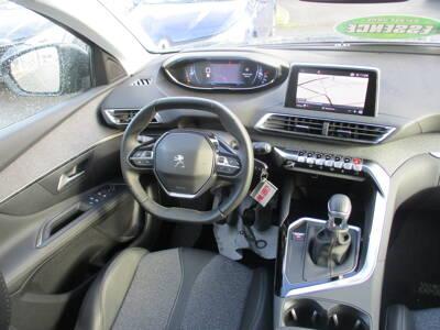 Voir la photo n°5 de la voiture d'occasion PEUGEOT 3008 — Puretech 130ch S&S BVM6 Allure