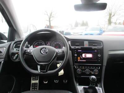 Voir la photo n°5 de la voiture d'occasion VOLKSWAGEN GOLF SW BUSINESS — 1.6 TDI 115 FAP BVM5 Confortline Business