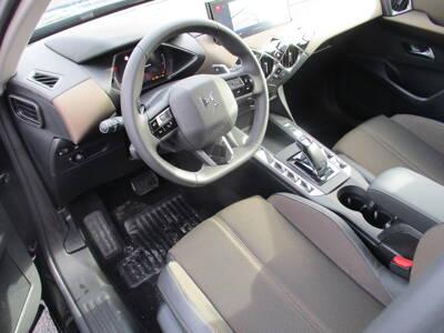 Voir la photo n°4 de la voiture 0KM DS DS3 CROSSBACK — PureTech 130 S&S EAT8 So Chic