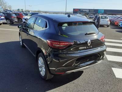 Voir la photo n°2 de la voiture 0KM RENAULT CLIO V — TCe 90 Intens