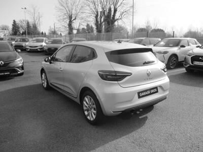 Voir la photo n°2 de la voiture 0KM RENAULT CLIO V — TCe 90 Zen