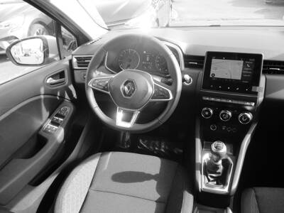 Voir la photo n°5 de la voiture 0KM RENAULT CLIO V — TCe 90 Zen