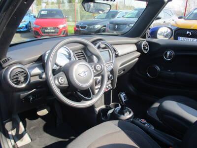 Voir la photo n°4 de la voiture d'occasion MINI MINI CABRIOLET F57 LCI — Cooper 136 ch