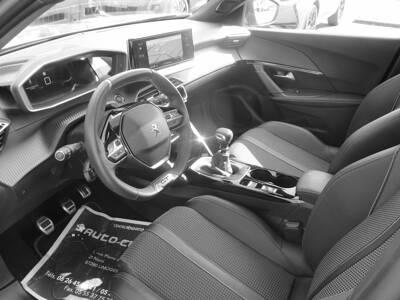 Voir la photo n°5 de la voiture d'occasion PEUGEOT 2008 — PureTech 130 S&S BVM6 GT Line