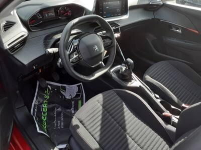 Voir la photo n°4 de la voiture 0KM PEUGEOT 208 — PureTech 75 S&S BVM5 Active