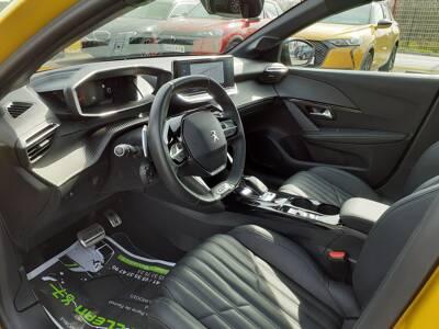 Voir la photo n°5 de la voiture d'occasion PEUGEOT 208 — PureTech 130 S&S EAT8 GT Line