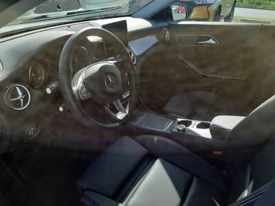 Voir la photo n°4 de la voiture d'occasion MERCEDES CLASSE CLA SHOOTING BRAKE — 200 d 7G-DCT Starlight Edition