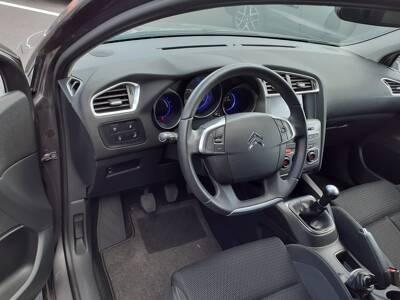 Voir la photo n°4 de la voiture d'occasion CITROEN C4 — BlueHDi 100 BVM Millenium