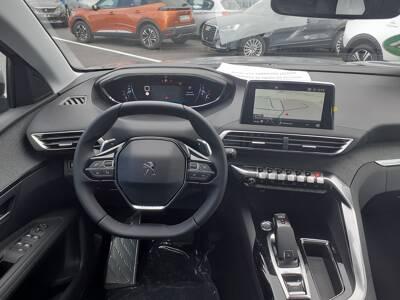 Voir la photo n°5 de la voiture 0KM PEUGEOT 3008 — BlueHDi 130ch S&S EAT8 Allure