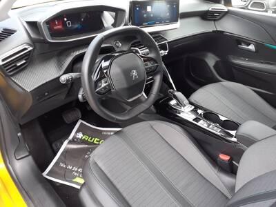 Voir la photo n°4 de la voiture d'occasion PEUGEOT 208 — PureTech 100 S&S EAT8 Allure