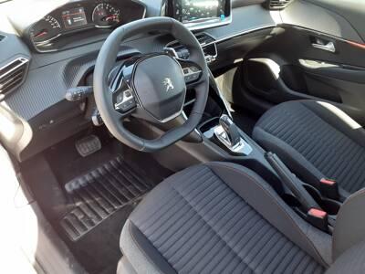 Voir la photo n°4 de la voiture 0KM PEUGEOT 208 — PureTech 100 S&S EAT8 Style