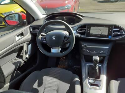 Voir la photo n°5 de la voiture 0KM PEUGEOT 308 — PureTech 110ch S&S BVM6 Allure Pack
