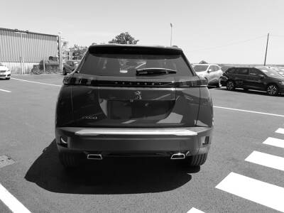 Voir la photo n°4 de la voiture 0KM PEUGEOT 2008 — PureTech 130 S&S BVM6 Allure Pack