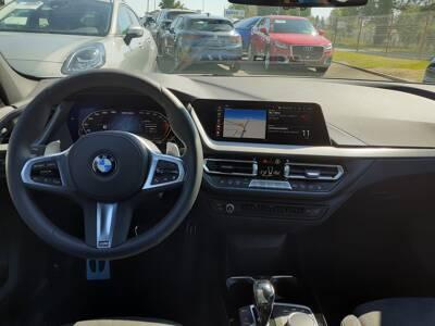 Voir la photo n°5 de la voiture d'occasion BMW SERIE 1 F40 — M135i xDrive 306 ch BVA8