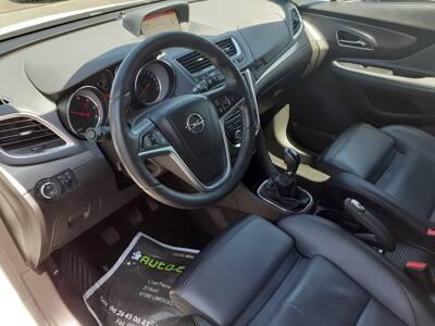 Voir la photo n°4 de la voiture d'occasion OPEL MOKKA — 1.6 CDTI - 136 ch FAP 4x2 ecoFLEX Start&Stop Cosmo Pack