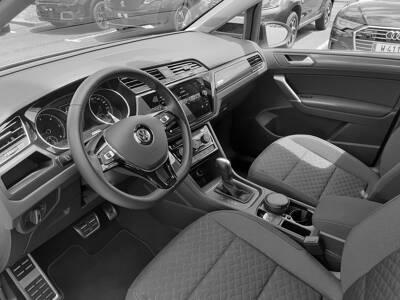 Voir la photo n°4 de la voiture d'occasion VOLKSWAGEN TOURAN — 2.0 TDI 150 7pl IQ.Drive