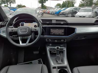 Voir la photo n°5 de la voiture d'occasion AUDI Q3 — 35 TDI 150 ch S tronic 7 Design Luxe
