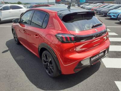 Voir la photo n°2 de la voiture 0KM PEUGEOT 208 — PureTech 130 S&S EAT8 GT Pack