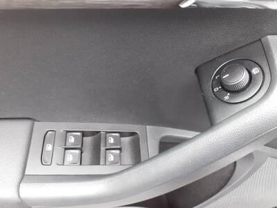 Voir la photo n°5 de la voiture d'occasion SKODA OCTAVIA COMBI — 2.0 TDI 150 ch CR FAP 4x4 Scout