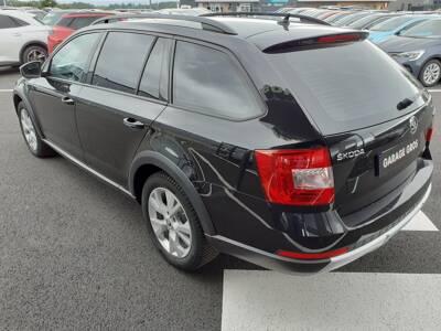 Voir la photo n°2 de la voiture d'occasion SKODA OCTAVIA COMBI — 2.0 TDI 150 ch CR FAP 4x4 Scout