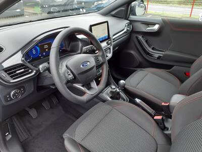 Voir la photo n°4 de la voiture 0KM FORD PUMA — 1.0 EcoBoost 125 ch mHEV S&S BVM6 ST-Line