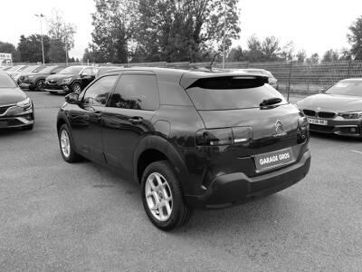 Voir la photo n°2 de la voiture d'occasion CITROEN C4 CACTUS — BlueHDi 100 S&S BVM6 Feel