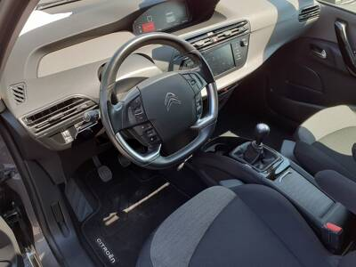 Voir la photo n°5 de la voiture d'occasion CITROEN C4 PICASSO — PureTech 130 S&S Feel