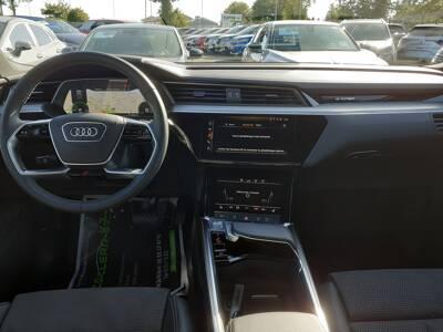 Voir la photo n°5 de la voiture d'occasion AUDI E-TRON SPORTBACK — 55 quattro 408 ch S line