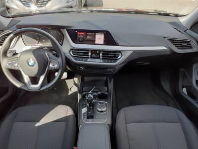 Voir la photo n°5 de la voiture d'occasion BMW SERIE 1 F40 — 118d 150 ch BVA8