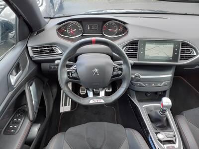 Voir la photo n°5 de la voiture d'occasion PEUGEOT 308 — PureTech 263ch S&S BVM6 GTi by PEUGEOT SPORT