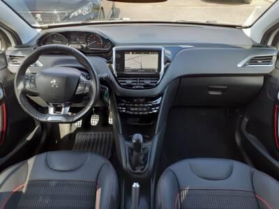 Voir la photo n°5 de la voiture d'occasion PEUGEOT 208 — BlueHDi 100 S&S BVM6 GT Line