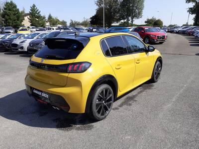 Voir la photo n°3 de la voiture 0KM PEUGEOT 208 — PureTech 130 S&S EAT8 GT Pack