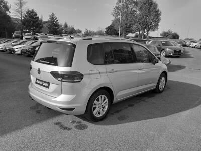 Voir la photo n°3 de la voiture d'occasion VOLKSWAGEN TOURAN — 2.0 TDI 115 DSG7 7pl IQ.Drive