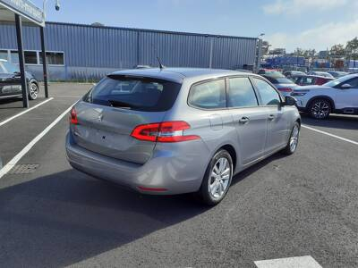 Voir la photo n°3 de la voiture 0KM PEUGEOT 308 SW — BlueHDi 130ch S&S BVM6 Active Pack