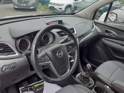 Voir la photo n°4 de la voiture d'occasion OPEL MOKKA — 1.6 CDTI - 136 ch FAP 4x2 ecoFLEX Start&Stop Cosmo