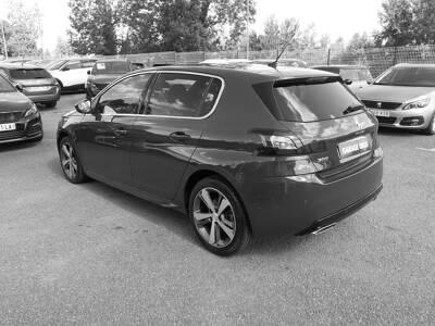 Voir la photo n°2 de la voiture d'occasion PEUGEOT 308 — 1.6 BlueHDi 120ch S&S BVM6 GT Line