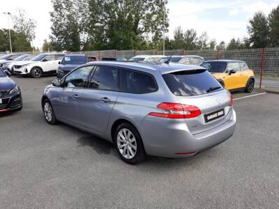 Voir la photo n°2 de la voiture d'occasion PEUGEOT 308 SW — BlueHDi 130ch S&S BVM6 Style