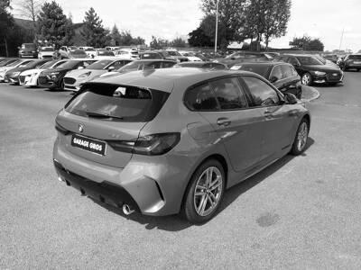 Voir la photo n°3 de la voiture d'occasion BMW SERIE 1 F40 — 118d 150 ch BVA8 M Sport