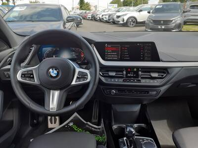 Voir la photo n°5 de la voiture d'occasion BMW SERIE 1 F40 — 120d 190 ch BVA8 M Sport
