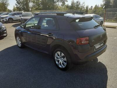 Voir la photo n°2 de la voiture d'occasion CITROEN C4 CACTUS — PureTech 82 Feel